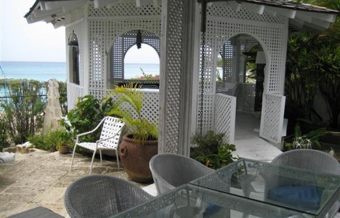 Wemsea Beach Villa